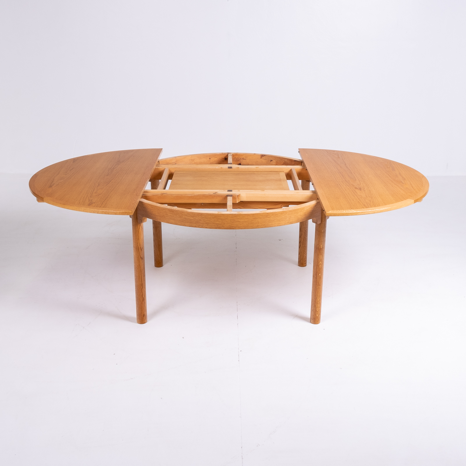 Round 140 Dining Table By Borge Mogensen For Karl Andersson & Söner In Oak With Butterfly Extensions, 1960s, Denmark74
