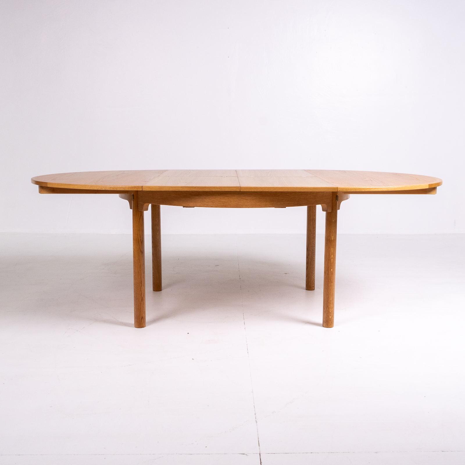 Round 140 Dining Table By Borge Mogensen For Karl Andersson & Söner In Oak With Butterfly Extensions, 1960s, Denmark77
