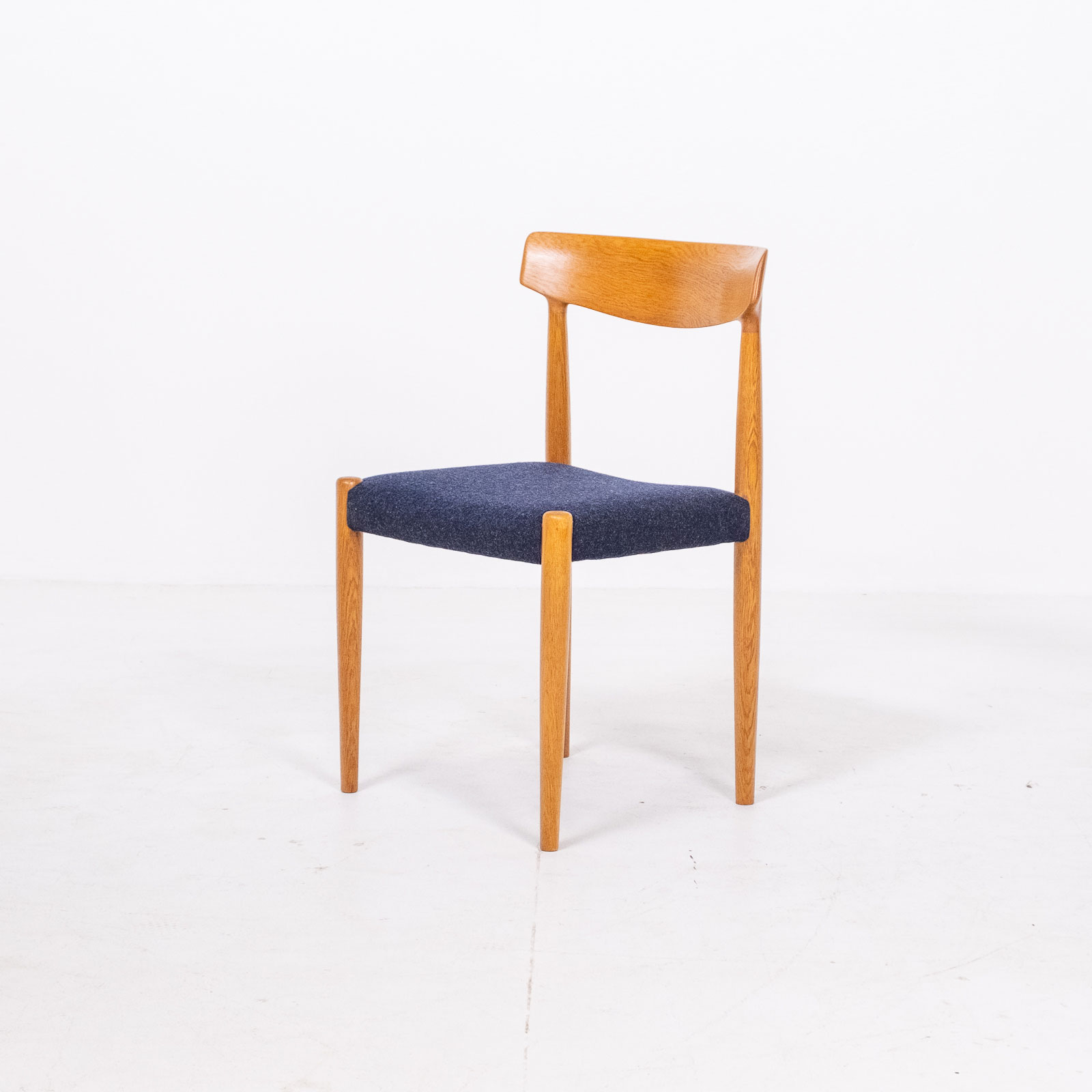 Set Of 6 Dining Chairs By Borge Mogensen For Fdb Mobler In Oak, 1960s, Denmark Hero